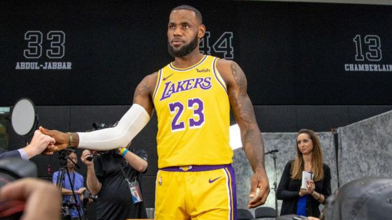 515c7147b909f LeBron James Will Reportedly Wear Cavaliers-Colored Shoes In His Lakers  Debut - The Ball Zone