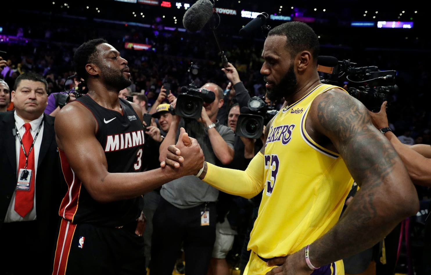 a5f3fe3a0 Dwyane Wade Laments Impact Of Injuries On LeBron James  First Season With  Lakers
